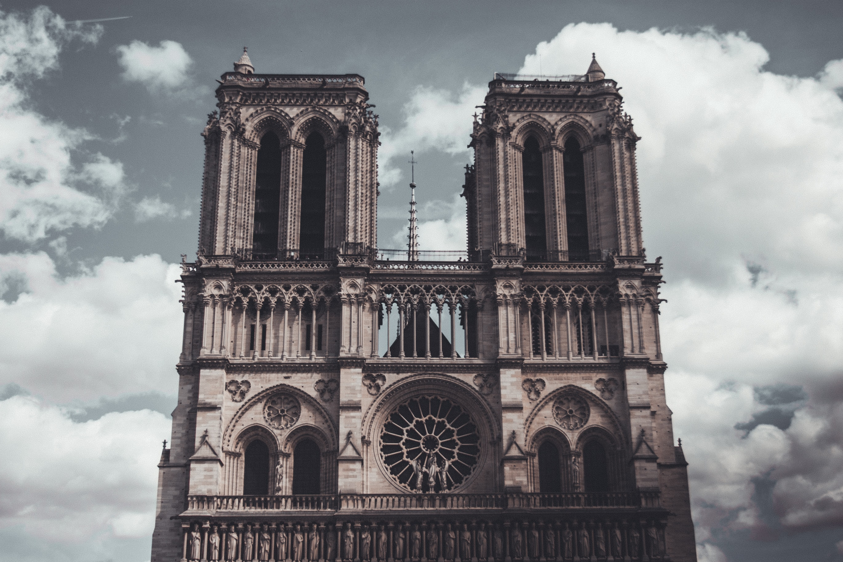 Uribe Schwarzkopf - uSpots - Notre Dame